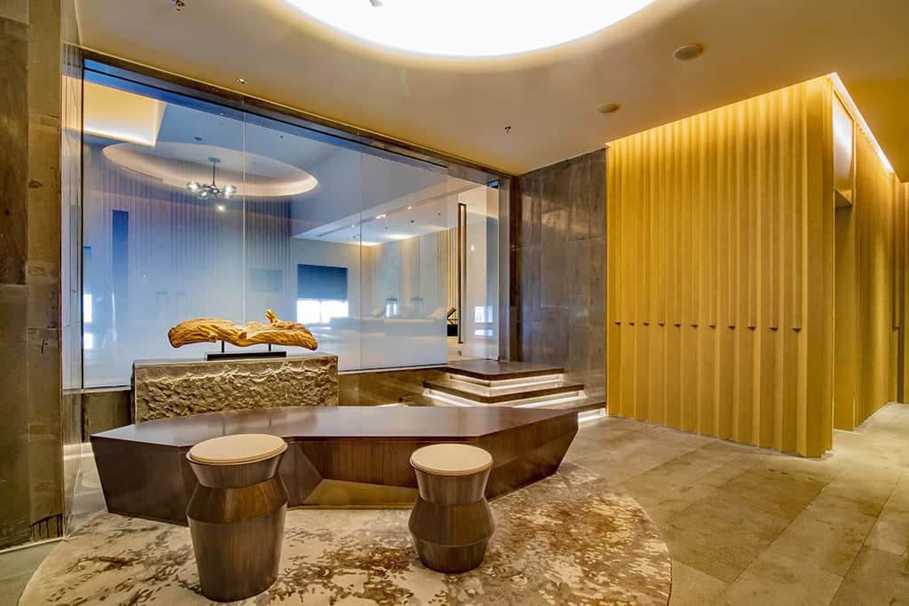 现代线条与传统脉络贯穿酒店设计