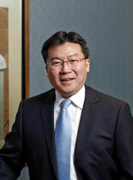 和平饭店总经理黄定一先生